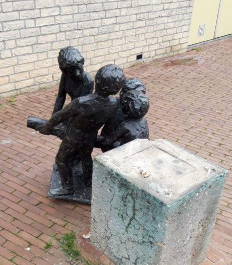 Mysterie rond standbeeld in Diepenveen: poging tot diefstal of vandalisme?