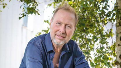 """Acteur Marc Van Eeghem: """"Op die manier kan VRT drie vierde van personeel op straat zetten"""""""
