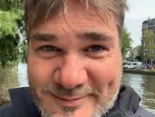 Acteur Mark Scholten (Don van Corendon) komt vaker in het stadion van Heracles dan in de ArenA