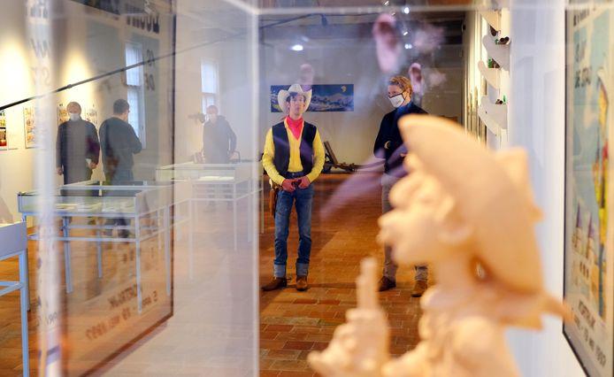 Rutger Gret kwam als Lucky Luke naar de gratis expo 'Lucky Luke in het diepe zuiden'.