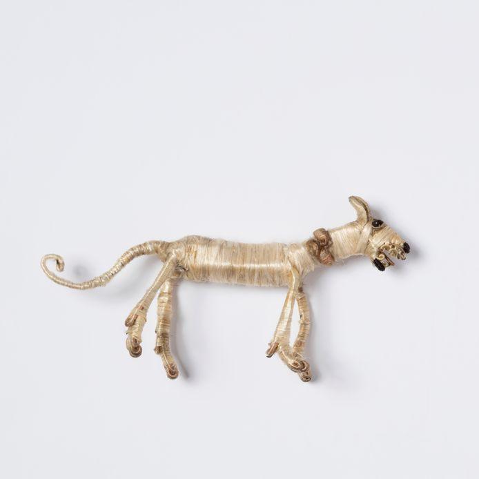 Besloten Hofje Daniël in de Leeuwenkuil. Detail hond.