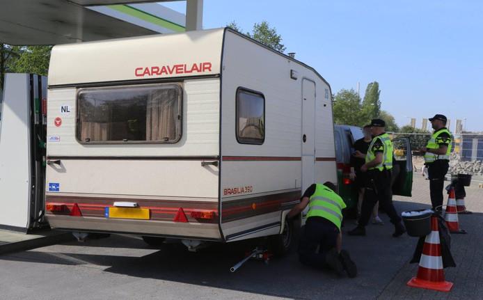 Caravancontrole op Paaspop.
