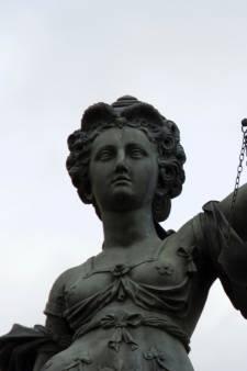 Zes jaar cel geëist tegen nepfysio voor verkrachting en aanrandingen hoogbejaarde vrouwen