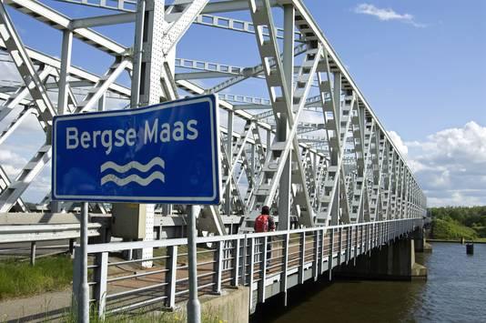De brug bij Keizersveer.