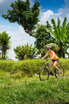 Bali verken je op de fiets