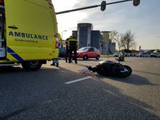Bestuurder scooter gewond na botsing met auto in Nijmegen