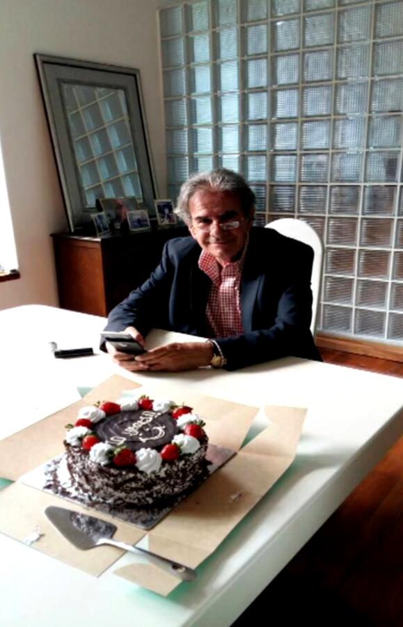 Tob Cohen in zijn villa in een residentiële buitenwijk van Nairobi.