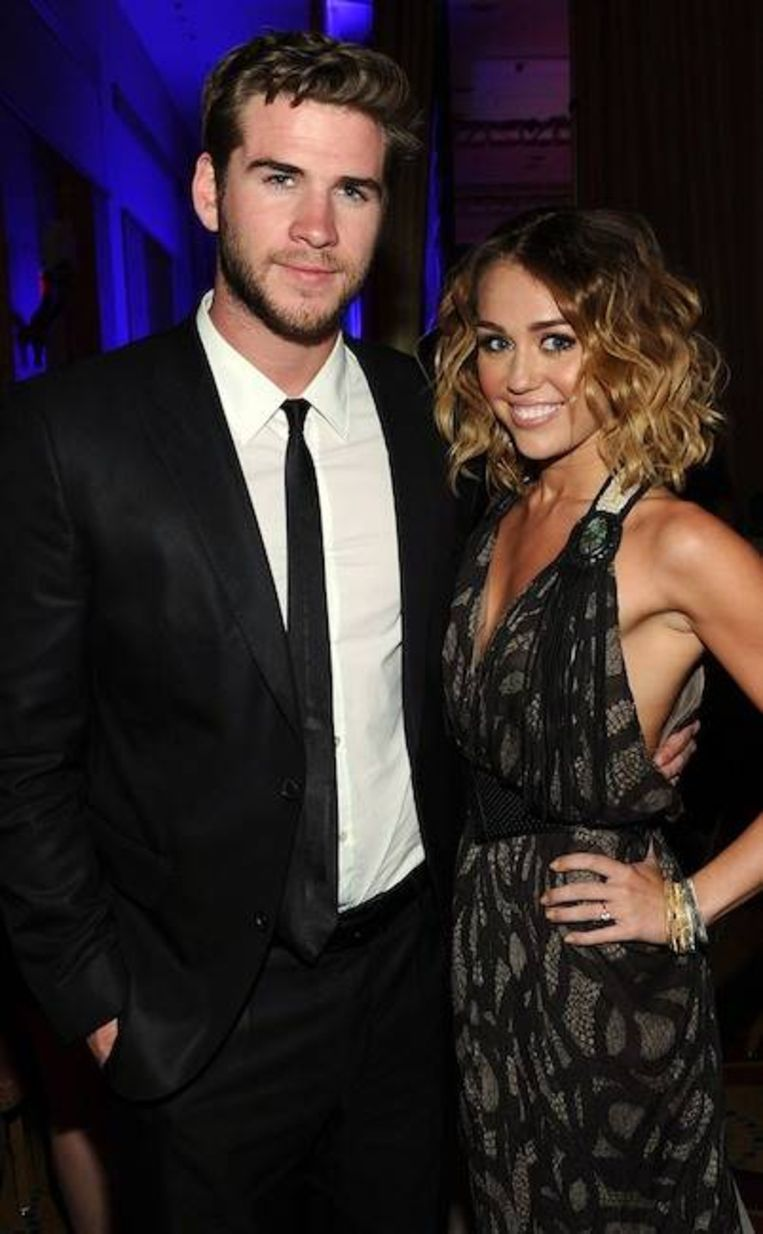 Miley en Liam verloofd.
