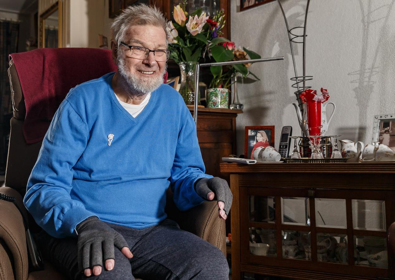 Jan van der Linden wordt vandaag 75 jaar, op de dag dat wij vieren dat we 75 jaar bevrijd zijn. Hij kreeg daarom van het Nationaal Comité 4 en 5 mei een bijzonder cadeau: Van der Linden is geportretteerd op de speciale '75 jaar Vrijheid'-postzegels.
