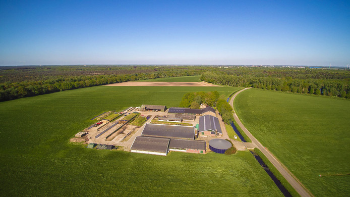 Het agrarisch bedrijf aan de Kanaalweg in Drunen, opgekocht door de provincie ten behoeve van Gebiedsontwikkeling Oostelijke Langstraat.