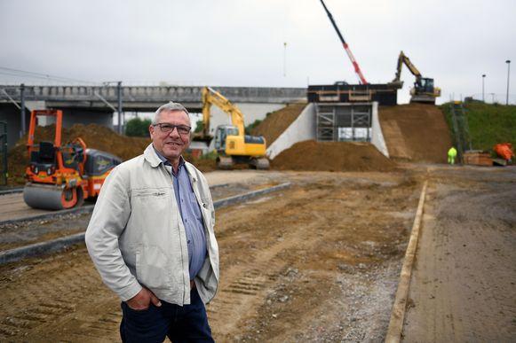 Schepen Stef Ryckmans is tevreden dat de werken in de buurt van het station van Erps-Kwerps bijna klaar zijn.