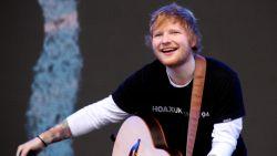 Ed Sheeran laat 60.000 toeschouwers twee keer wachten... omdat hij naar toilet moet