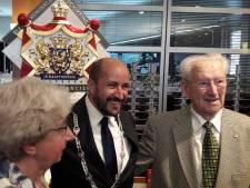 Een 'koninklijke' bril is sinds kort te koop bij Holsboer in Arnhem
