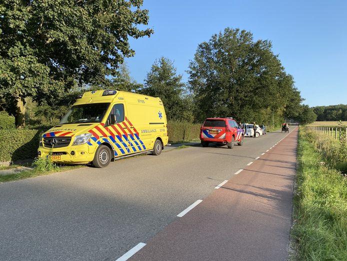 Hulpdiensten op de Hessenweg in Lunteren.