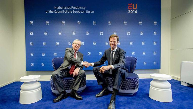 Commissievoorzitter Jean-Claude Juncker en premier Mark Rutte, bij het begin van het Nederlandse voorzitterschap. Beeld anp