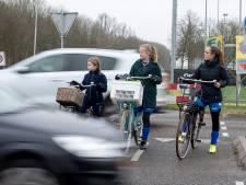 Gevaarlijke oversteek Rhelico: 'Een fietser heeft geen airbag'