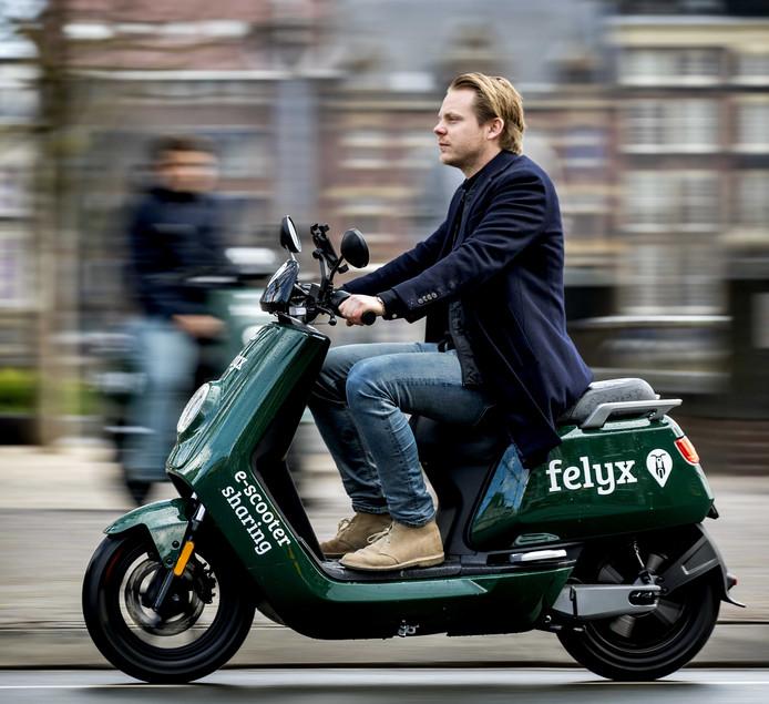 Proef van e-scooters Felyx is een succes in Den Haag