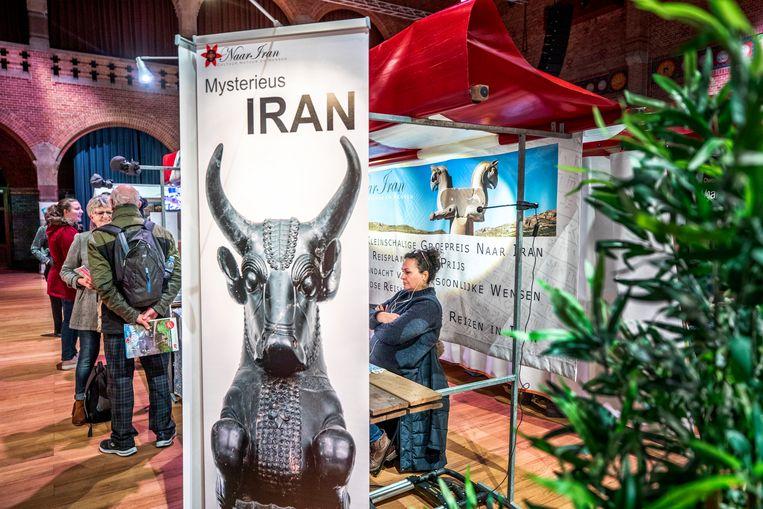 De stand van Iran op de Beurs voor Bijzondere reizen. Beeld Raymond Rutting / de Volkskrant