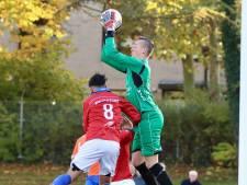 Zwart behoedt tiental Altena van puntenverlies, Roda Boys-trainer De Kok wacht nog op eerste punten