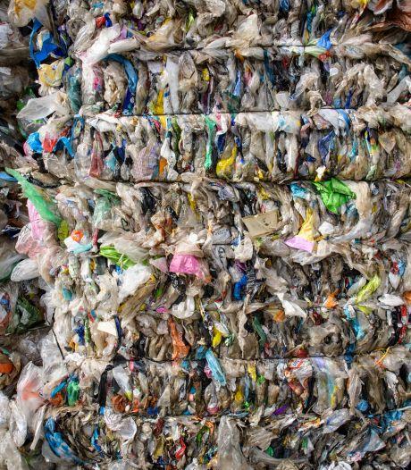 Plasticafval vervuild? Dan kun je in Hengelo een boete krijgen