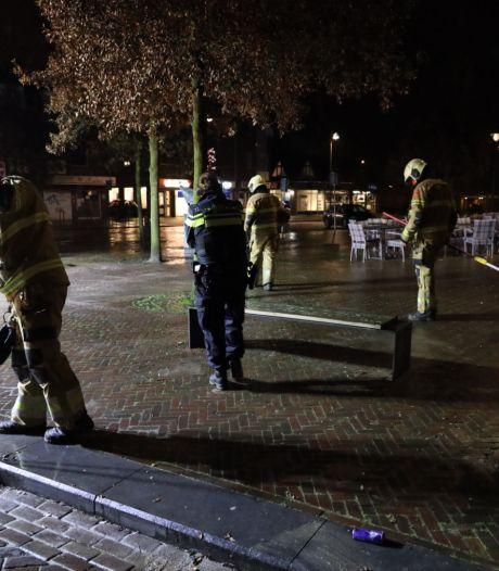 Brandbom gegooid in centrum Drunen: veel glas, weinig schade
