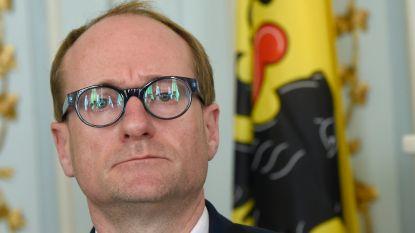 VRT overlegt met kabinetten Weyts en Dalle over uitzenden van lessen
