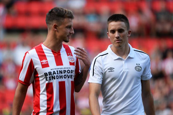 Ryan Thomas (rechts) speelde een half uur mee in de oefenwedstrijd tegen 1. FC Köln.