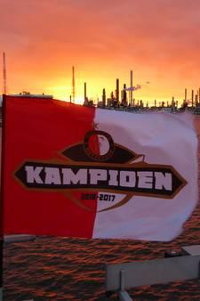 Vakantiekiekjes van Feyenoorders blijven binnenstromen
