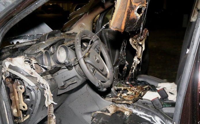 Auto in brand in Den Bosch