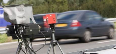 Ruim 70 kilometer per uur te hard: rijbewijs kwijt