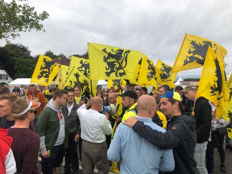 Voorpost-manifestatie aan de Pukkelpop-ingang. Beeld Axel De Coninck