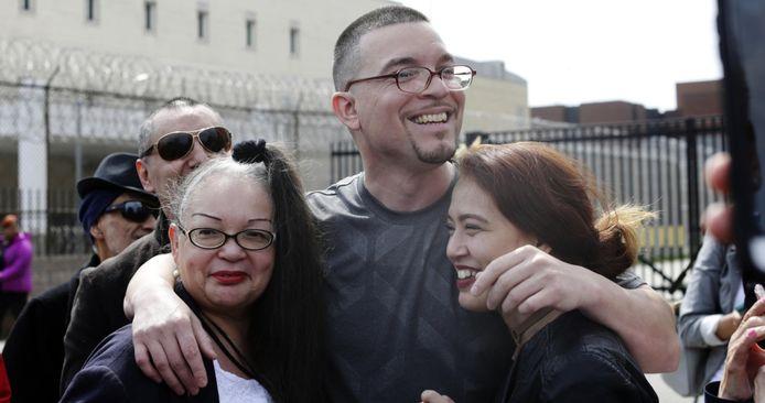 Roberto Almodovar met zijn moeder Angela Navarro (l) en zijn dochter Jasmyn.