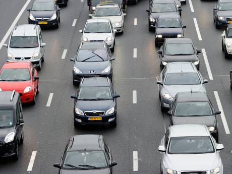 Bus met pech op A12 bij Veenendaal, vertraging voorbij