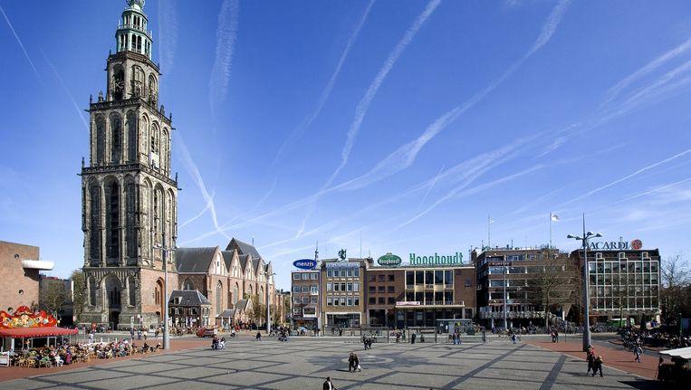De Martini toren op de Grote Markt. Groningen heeft een tekort van 16 miljoen voor bijstandsuitkeringen. Beeld anp