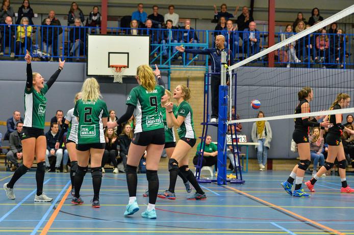 Volleybalsters van WSV uit Warnsveld, vorig seizoen in actie in de Warnsveldse sporthal De Kei.