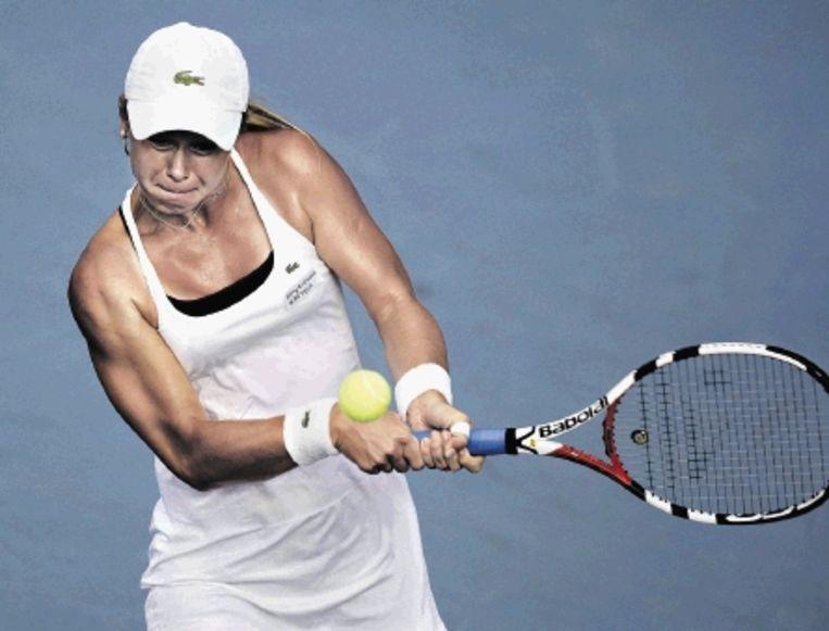 Doesjevina (foto) heeft het tennistoernooi in Istanbul gewonnen. De 22-jarige Russin behaalde in Turkije haar eerste titel. In de finale versloeg ze de Tsjechische Hradecka met 6-1 en 6-0. (FOTO AP) Beeld
