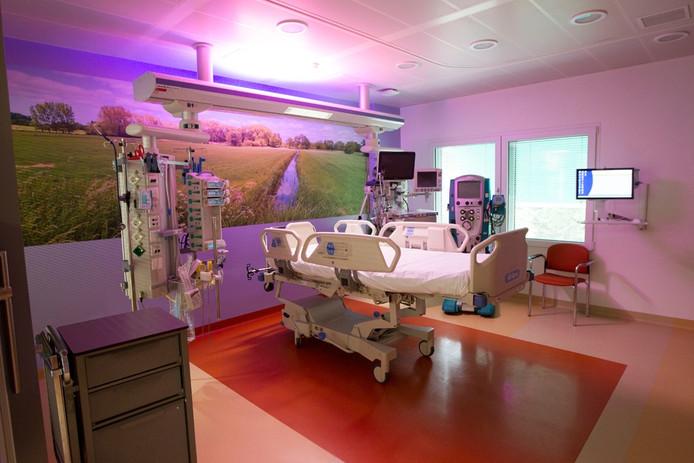 Nieuwe intensive care-kamer in het Elkerliek Ziekenhuis in Helmond.
