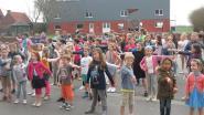 Kinderen dansen mee met Sammy