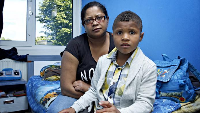 Veronica en haar zoon Tiago
