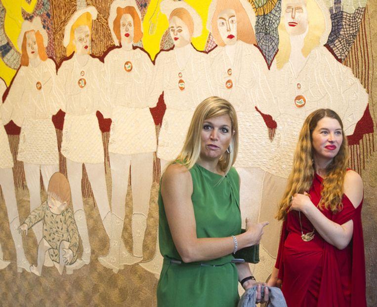 Prinses Maximá en Ann Demeester (rechts), voormalig directeur van De Appel. Beeld ANP