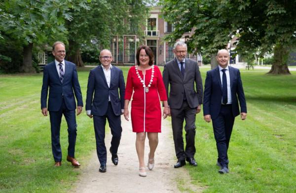 D66 raakt wethouders kwijt, maar is wel een **onderkoning** rijker