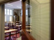 Meer dan helft van leraren op middelbare scholen geeft ondanks lockdown fysiek les