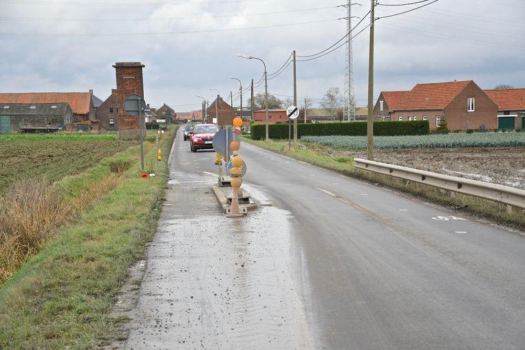 De wegversmallingen in de Grote Roeselarestraat gaan verdwijnen