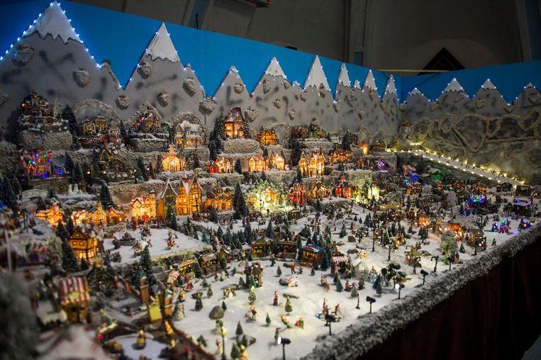 Indrukwekkend schouwspel. Het kerstdorp is met z'n 26 vierkante meter wellicht de grootste van de regio.