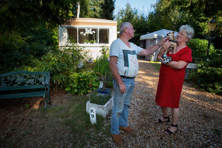 Frans en Paula van Golberdinge hopen nog jaren op de camping te staan.  Beeld Herman Engbers