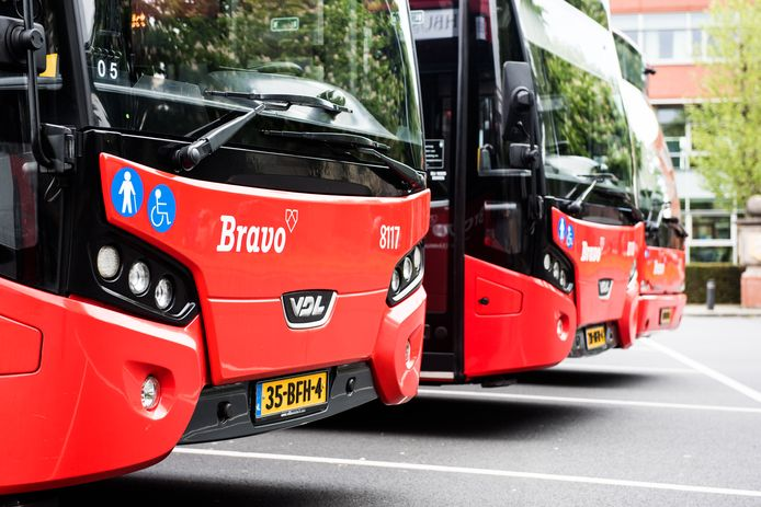 BRAVO bus - Foto ter illustratie