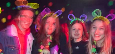 Gratis neonparty voor Edese jongeren