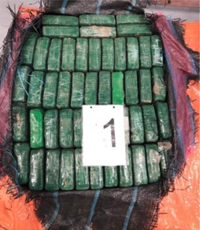 Een deel van de lading cocaïne.