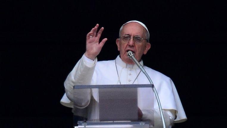 Paus Franciscus tijdens zijn eerste zondagsgebed. Beeld anp
