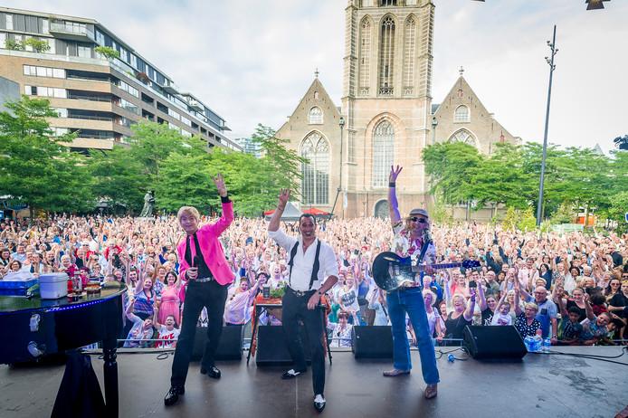De Wannebiezz tijdens een eerdere editie van Rotterdam Zingt.